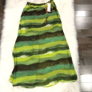 Dresses & Skirts - NWT Green Patterned Maxi Skirt with Belt S